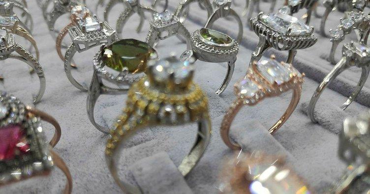 Altın fiyatı artınca düğün takıları gümüş oldu