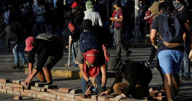 Şili'de ekonomik kriz kapıda... Protestolar ekonomiyi 8.8'lik depremden daha fazla vurdu