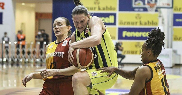 Fenerbahçe derbide Galatasaray'ı yendi! Seride öne geçti...