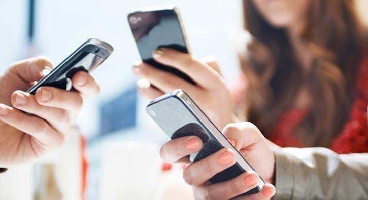Gençler cep telefonunu 'arkadaş' olarak görüyor