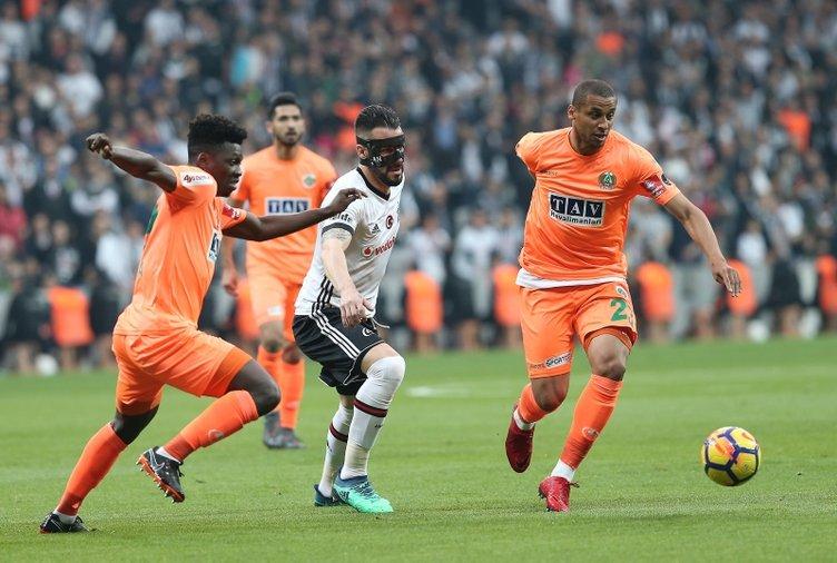 Transferde son dakika: Beşiktaş'ın istediği yıldızdan şoke eden Fenerbahçe yanıtı!