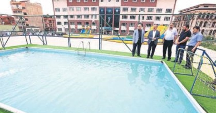 7 bin öğrenci yüzme öğrenecek