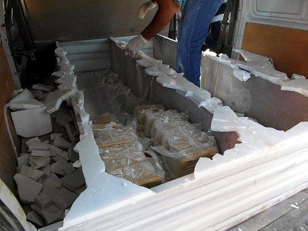 Cenaze aracında 200 kilogram eroin ele geçirildi