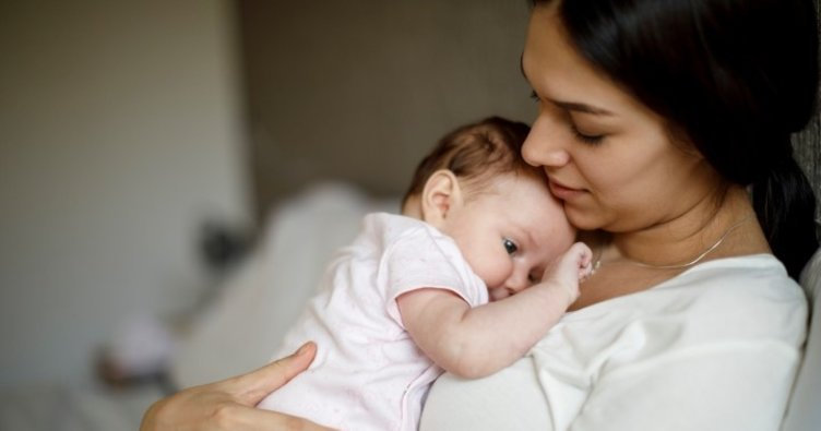 Mucizevi besin anne sütünün koruyucu etkisi bir ömür sürüyor