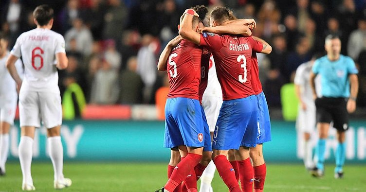 İngiltere'ye deplasmanda soğuk duş! Çek Cumhuriyet 2 - 1 İngiltere (MAÇ SONUCU)
