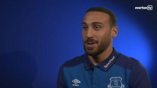 Everton'a imza atan Cenk Tosun'dan büyük fedakarlık