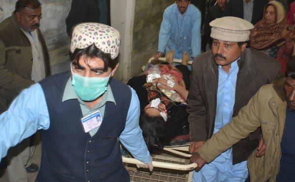 Pakistan'da pazar ayinine intihar saldırısı!