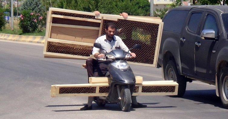 Motosikletle kapı sevkiyatı!