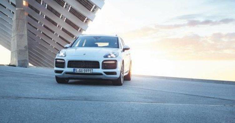 Hibrit motorlu yeni Porsche Cayenne