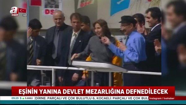 Merhum Başbakan Bülent Ecevit'in eşi Rahşan Ecevit son yolculuğuna uğurlanıyor