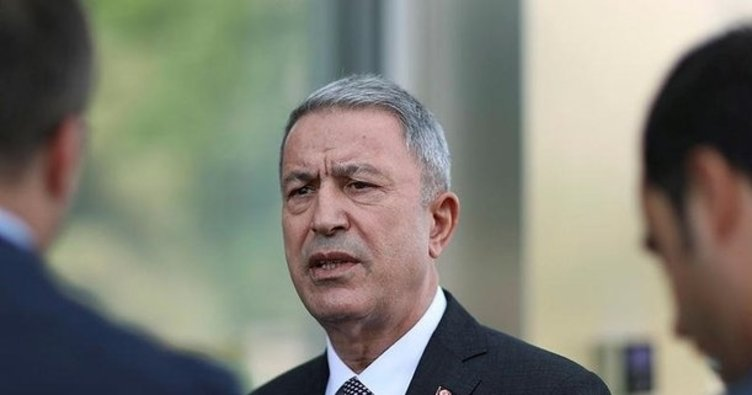 Milli Savunma Bakanı Akar'dan, sınır birliklerine denetleme