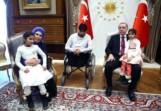 Cumhurbaşkanı Erdoğan, Suriyeli Gözyaşı ve ailesini kabul etti