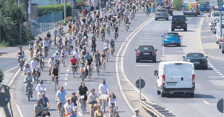 Faşist katliama bisikletli isyanı
