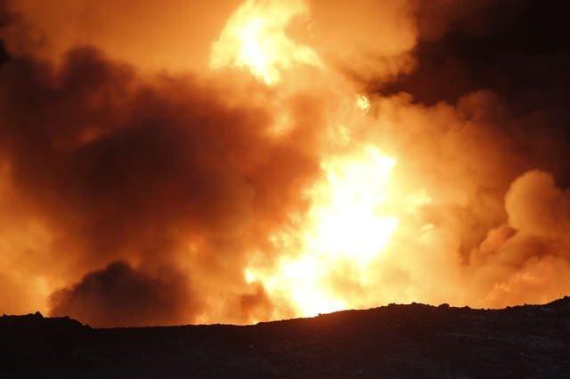 DEAŞ kuyuları ateşe verdi