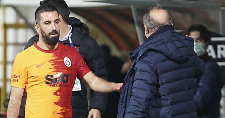 Son dakika: Galatasaray'ın gizli kahramanı Arda Turan! Saha dışında da kaptan...