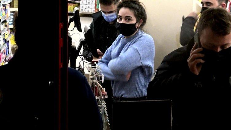 Avcılar'da yaşanan bir market soygunu kameraya yansıdı!