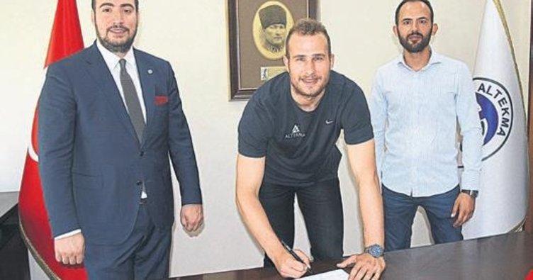 TFL Altekma'da Yüksel imzaladı