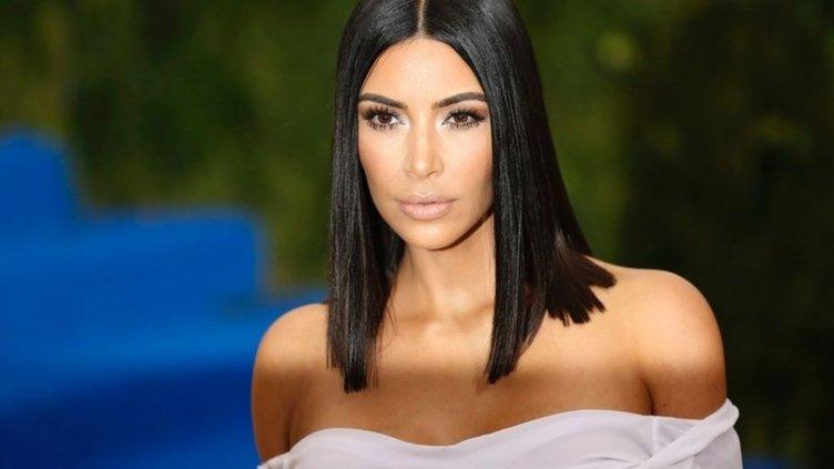 Photoshop'un ayarını kaçıran Kim Kardashian, alay konusu oldu