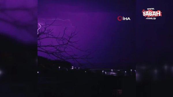 Yıldırım böyle düştü! Yağışın ardından şimşekler geceyi aydınlattı   Video