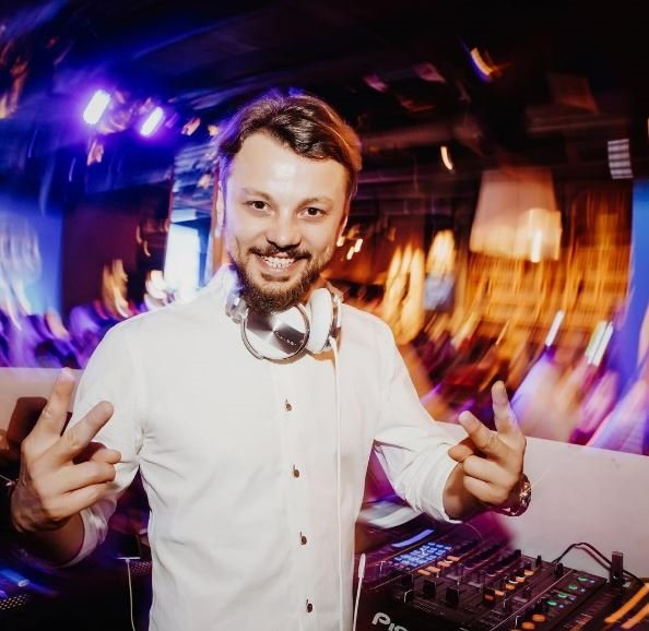DJ'lik teknik yönüyle zanaat, estetik açıdan ise sanat sayılır