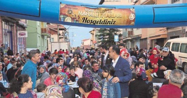 Uşak'ta ilk mahalle iftarı gerçekleştirildi