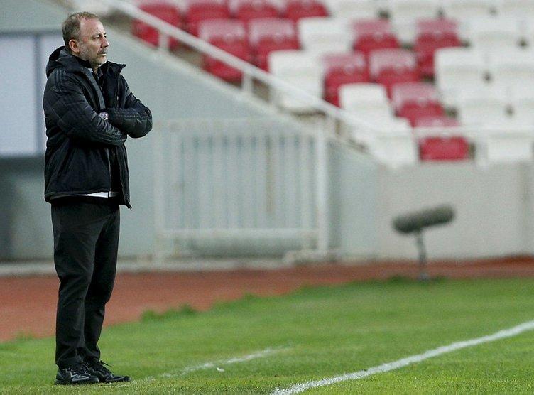 Fatih Terim gladyatör gibi: Sergen Yalçın tarihe geçecek! Aboubakar ile Beşiktaş arasında kriz var mı?