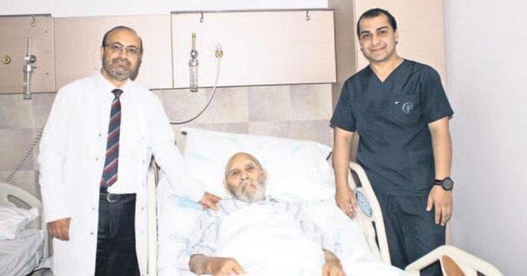 93 yaşındaki hastaya, açık prostatektomi ile ameliyat