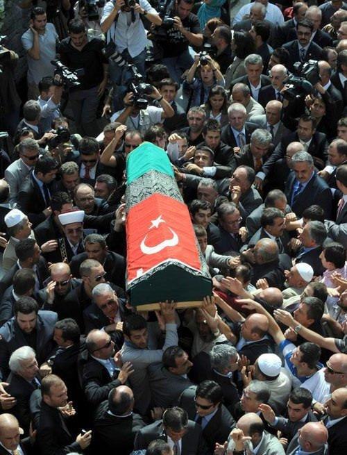 Son Osmanlı uğurlandı