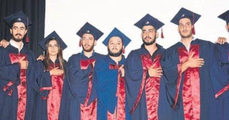Veteriner Fakültesinde mezuniyet coşkusu