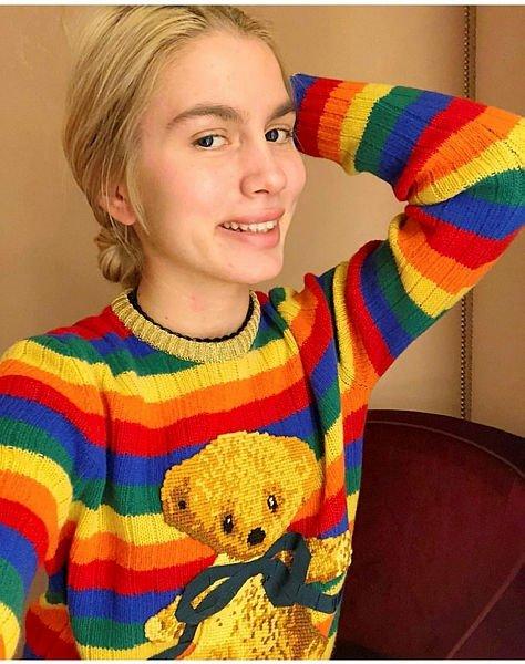 Aleyna Tilki'nin pozu eleştiri yağmuruna tutuldu!