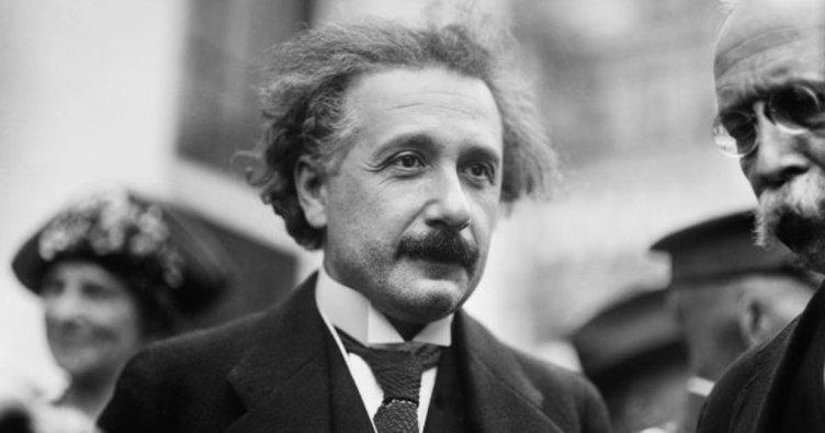 Einstein'ın Tanrı mektubu 2,9 milyon dolara satıldı