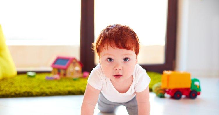 Bebeğinizin 7. ay gelişimi: Onu kimse tutamaz emeklemeyi öğrendi!