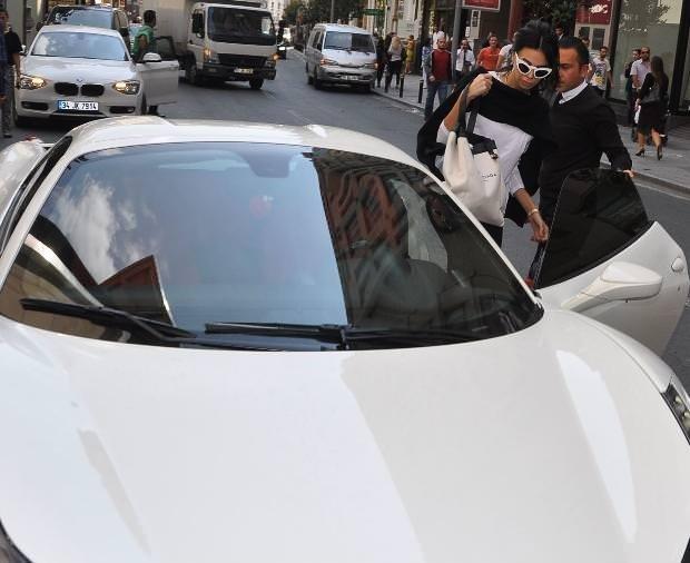 Asena Erkin Nişantaşı'nda görüntülendi