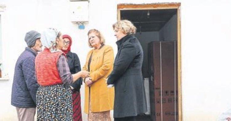 Manisa'da evleri yananlara destek