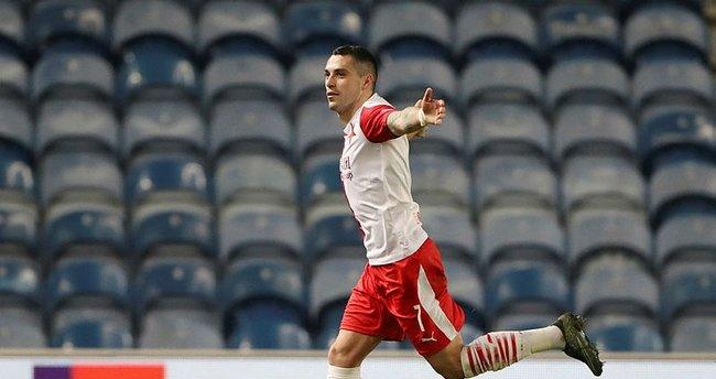 Son dakika: Galatasaray'ın yeni 10 numarası için Hagi devrede! Nicolae Stanciu transferinde anlaşma yakın…