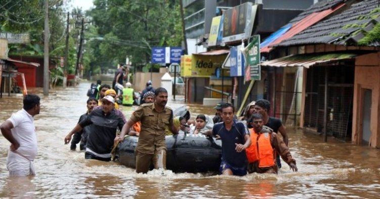 Hindistan'da sel sonrası ölü sayısı 50'ye yükseldi