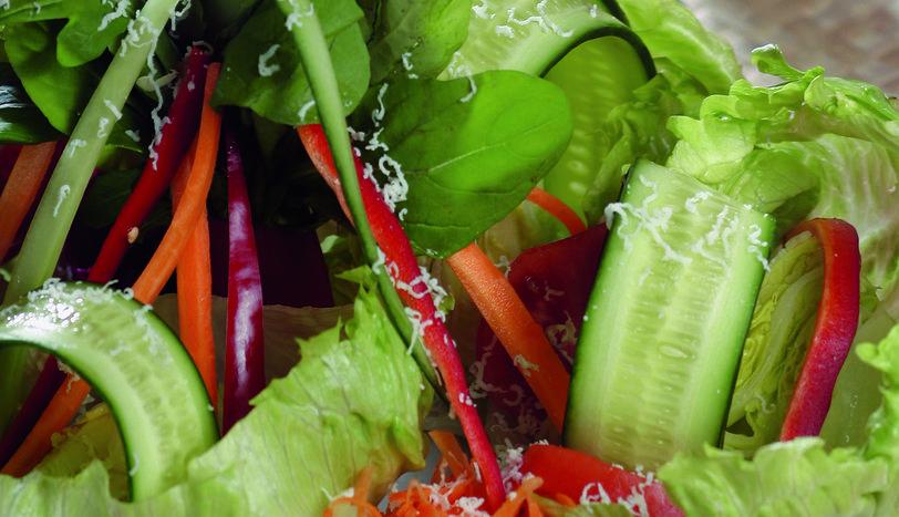 Fesleğenli, Kekikli Salata