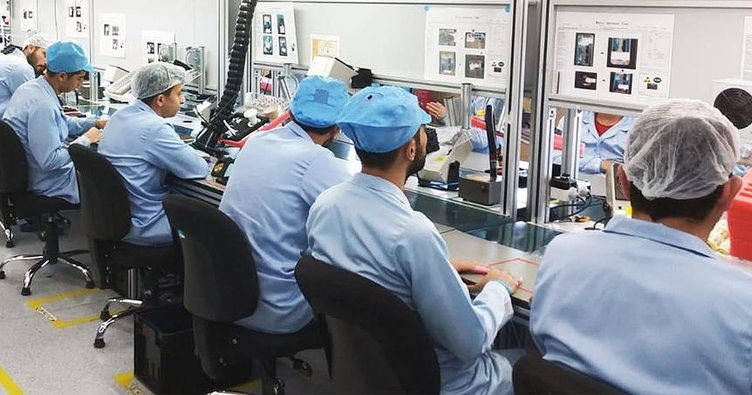 Türkiye'nin 'en büyük yerli' cep telefonu fabrikası hizmete başladı