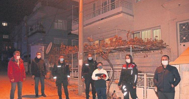 Polislerden Ayaz'a doğum günü sürprizi