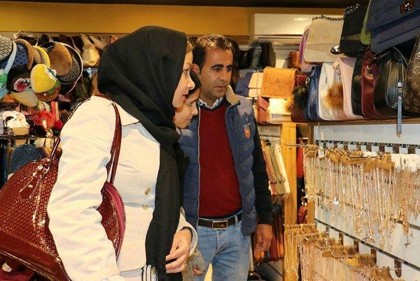 İranlılar Nevruz tatili için Van'a akın ediyor