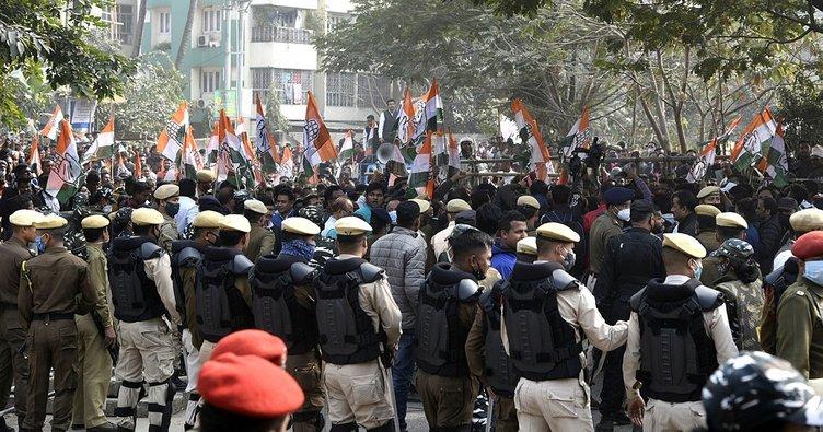 Hindistan'da yeni tarım yasalarına karşı düzenlenen çiftçi protestoları 55. gününe girdi