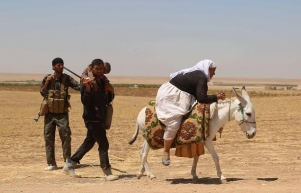 Dağda mahsur kalan Yezidiler kurtarıldı