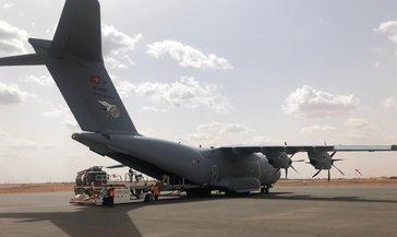 MSB: Tıbbi yardım malzemesi taşıyan TSK'ye ait uçak Nijer'e indi