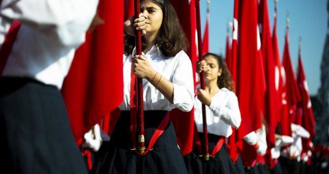 Είναι η 23η Απριλίου δημόσια αργία, τι ημέρα συμπίπτει;  2021 Γιορτάζει φέτος η Εθνική Κυριαρχία και η Ημέρα του Παιδιού στις 23 Απριλίου;