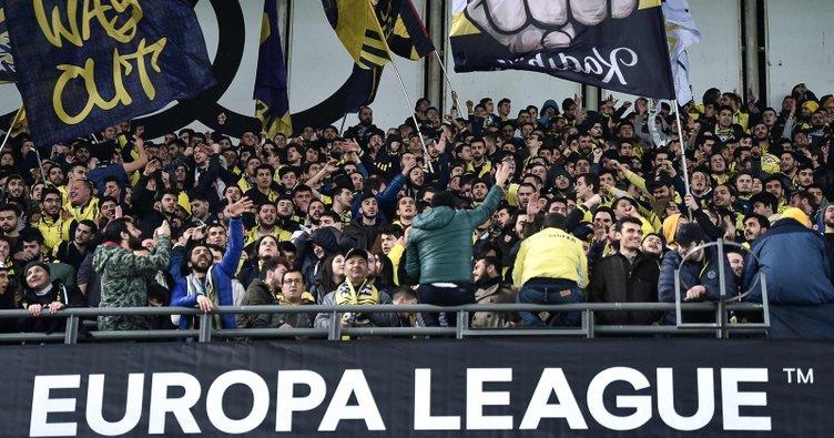 Zenit maçı öncesi Fenerbahçe tribünlerin tamamı doldu