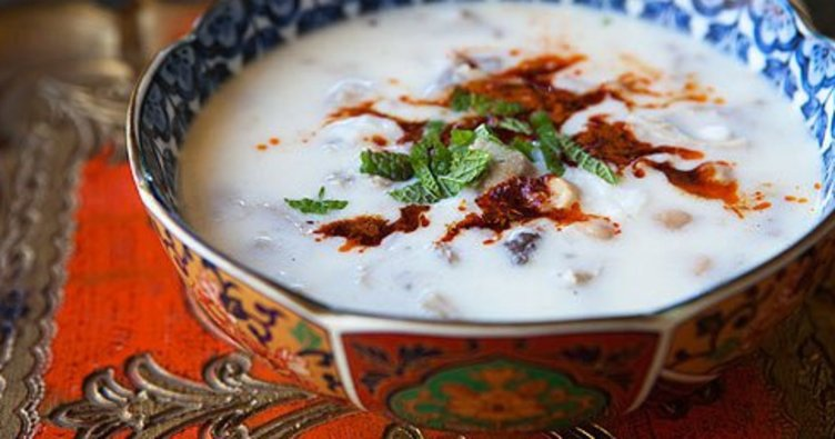 Ayran aşı çorbasi tarifi: Ayranli soğuk çorba nasıl yapılır?
