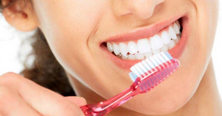 dişleri-fırçalamak