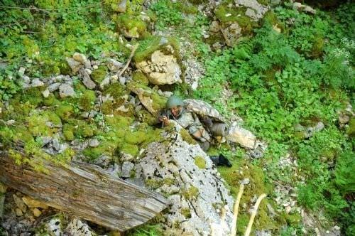 Kertenkele ve kurbağa yiyerek hayatta kaldılar