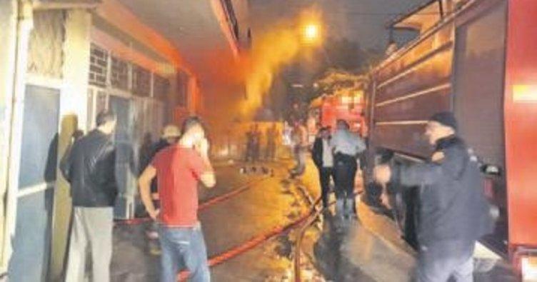 Önder Mahallesi'nde sahur vakti yangın