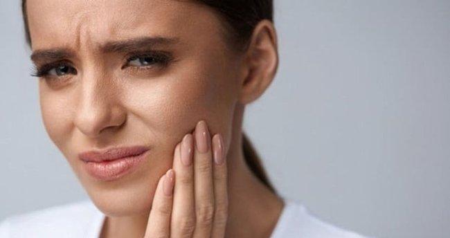 Diş Ağrısına Kesin Çözüm! Diş Ağrısını Ne Geçirir, Nasıl Geçer? İşte Ağrıya İyi Gelen Şeyler
